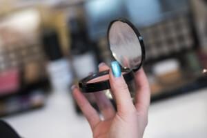 makeup-564929_1280