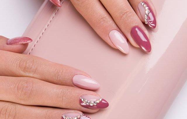 Jak znaleźć idealny dla siebie kolor manicure?